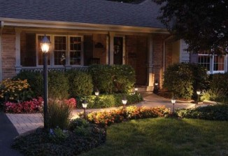 Relaxing Front Sidewalk Landscaping Ideas26