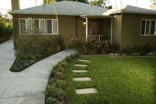 Wonderful Grass Landscaping Ideas For Home Yard15