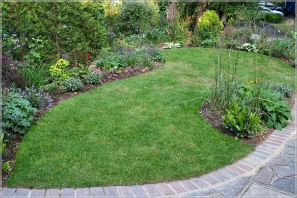 Wonderful Grass Landscaping Ideas For Home Yard22