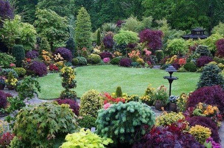 Wonderful Grass Landscaping Ideas For Home Yard26