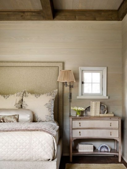 Awesome Bedroom Decor Ideas With Farmhouse Style 32