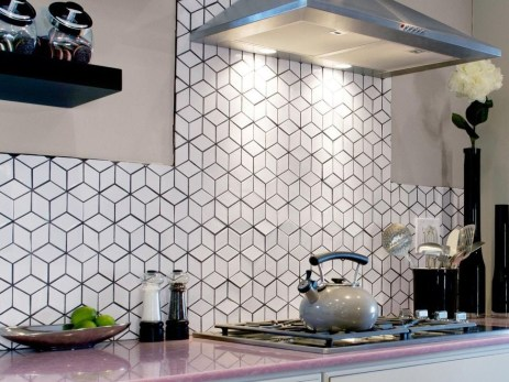 Lovely White Backsplash Design And Decor Ideas For Kitchen 06