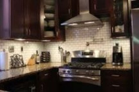 Lovely White Backsplash Design And Decor Ideas For Kitchen 14