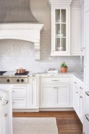 Lovely White Backsplash Design And Decor Ideas For Kitchen 24
