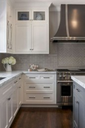 Lovely White Backsplash Design And Decor Ideas For Kitchen 30
