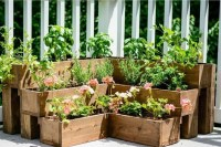 Magnificient Diy Planters Ideas For Garden 29