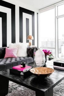 Relaxing Black And White Decor Ideas For Your Room 05