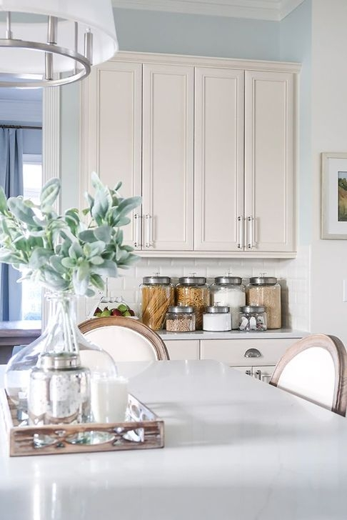 Awesome White And Clear Kitchen Design Ideas 06