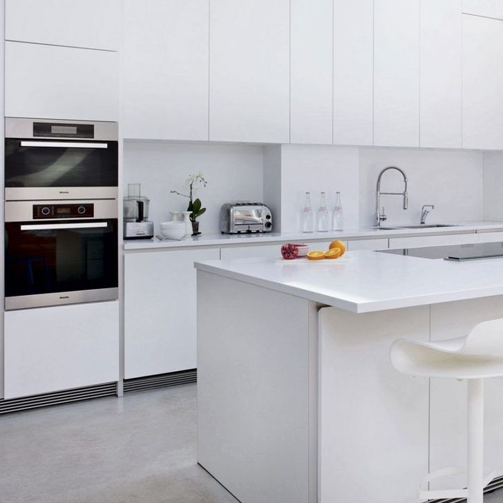 Awesome White And Clear Kitchen Design Ideas 09