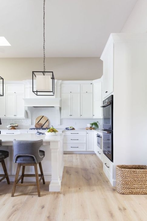 Awesome White And Clear Kitchen Design Ideas 26