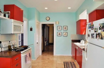 Cozy Red Kitchen Wall Decoration Ideas For You 17