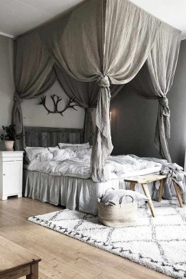Newest Bedroom Furniture Ideas To Get The Farmhouse Vibe 34