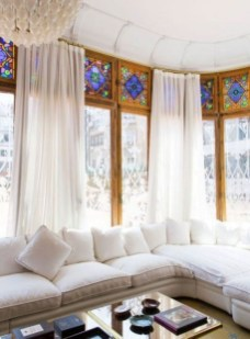 Catchy Glass Window Design Ideas For Home 16