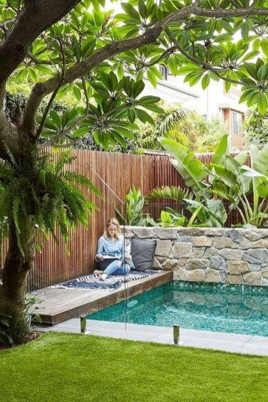 Comfy Backyard Designs Ideas With Swimming Pool Looks Cool 27