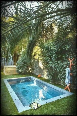 Comfy Backyard Designs Ideas With Swimming Pool Looks Cool 44