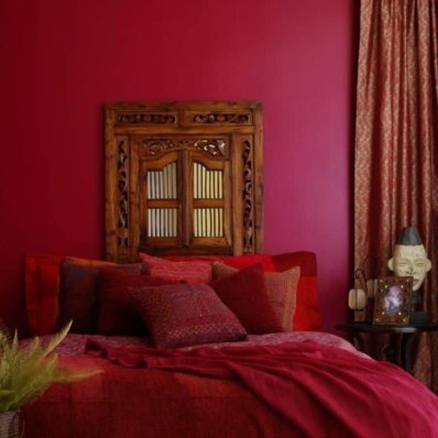 Comfy Red Bedroom Decorating Ideas For You 21