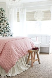 Comfy Red Bedroom Decorating Ideas For You 32