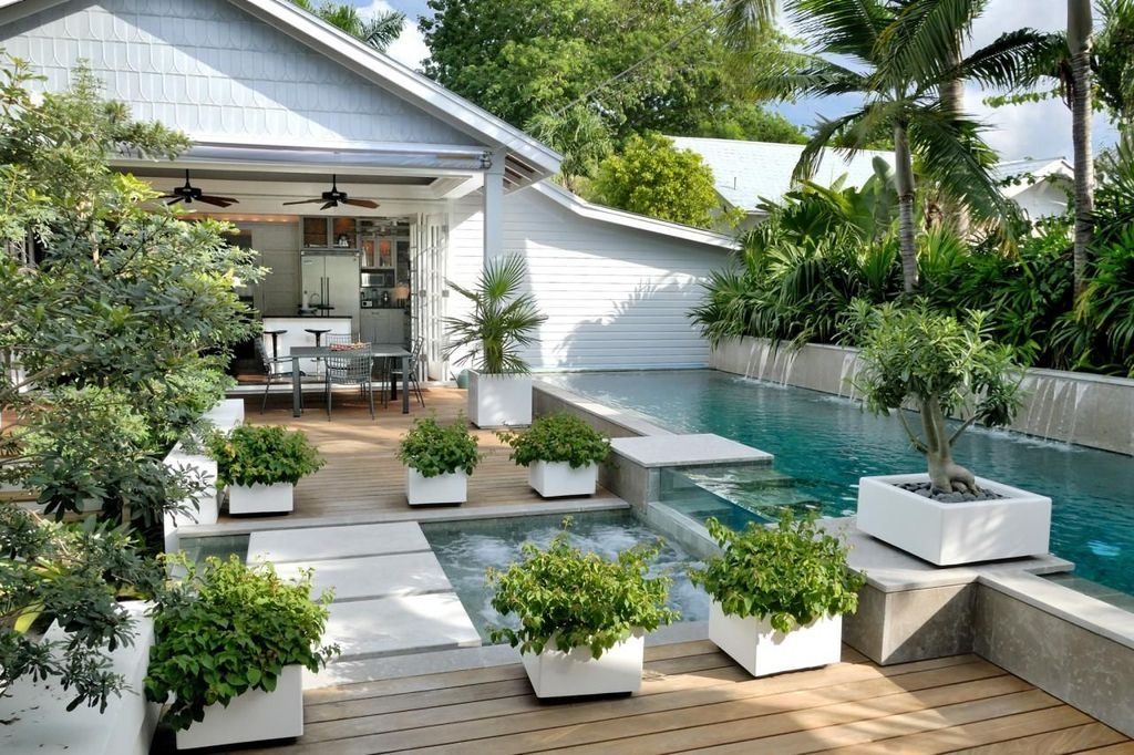 Creative Swimming Pools Design Ideas For Your Yard 32