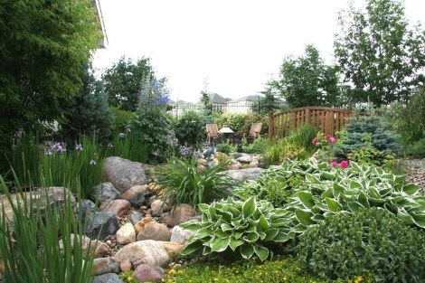 Gorgeous Landscaping Design Ideas For Beginners 19