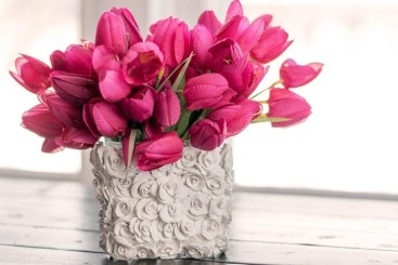 Splendid Diy Flower Vase Ideas To Add Beauty Into Your Home 22