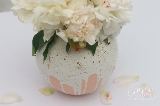 Splendid Diy Flower Vase Ideas To Add Beauty Into Your Home 43