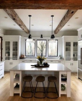 Stylish Farmhouse Kitchen Design Ideas To Bring Classic Look 37