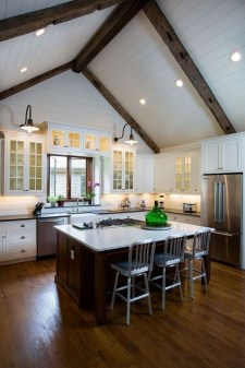 Unordinary Farmhouse Kitchen Ideas For Your House Design 15