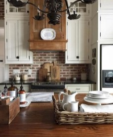 Unordinary Farmhouse Kitchen Ideas For Your House Design 43