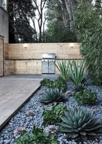 Unusual Front Yard Landscaping Design Ideas That Looks Great 31