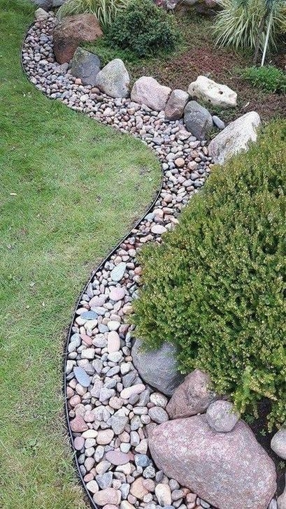 Unusual Front Yard Landscaping Design Ideas That Looks Great 35