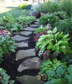 Unusual Front Yard Landscaping Design Ideas That Looks Great 42