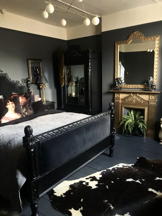 Delightful Bedroom Designs Ideas With Dark Wall That Breaks The Monotony 34