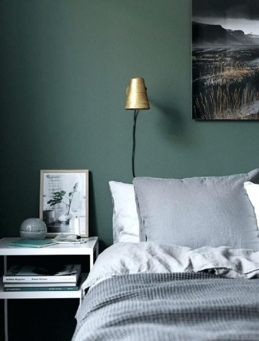 Delightful Bedroom Designs Ideas With Dark Wall That Breaks The Monotony 43