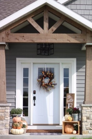 Extraordinary Fall Porch Ideas That Will Be Surely Comfortable 08