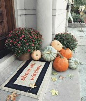 Extraordinary Fall Porch Ideas That Will Be Surely Comfortable 19