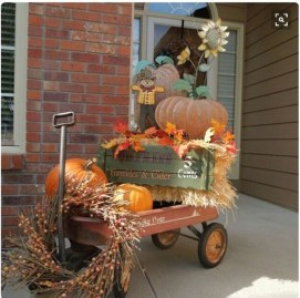Extraordinary Fall Porch Ideas That Will Be Surely Comfortable 32