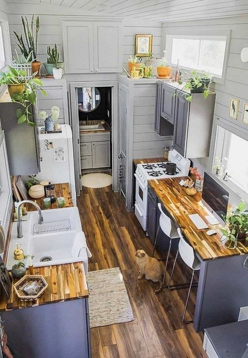 Trendy Tiny Kitchen Design Ideas That Looks Elegant 26