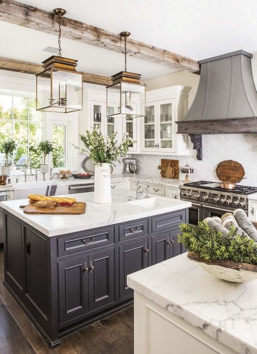 Unordinary Farmhouse Style Kitchen Island Ideas 21