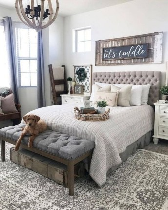 Trendy Farmhouse Master Bedroom Design Ideas 24