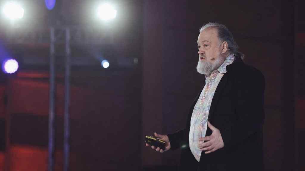O criador do dinheiro digital David Chaum, anuncia nova criptomoeda resistente a computadores quânticos