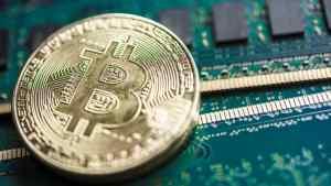 Cientista nuclear recebe multa de US$ 7.000 por mineração de Bitcoin no trabalho