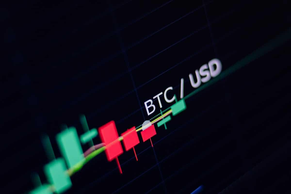 Preço do Bitcoin cai com saída de BTC de dois pools de mineração