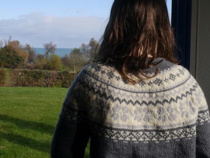dos gilet tricoté en jacquard