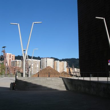pointy streetlamps and strong shadows