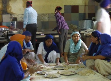 people making chapatti