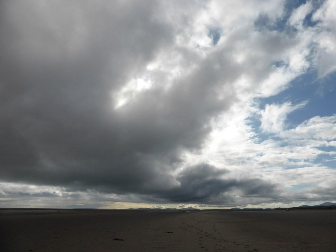 darker cloudfront above beach