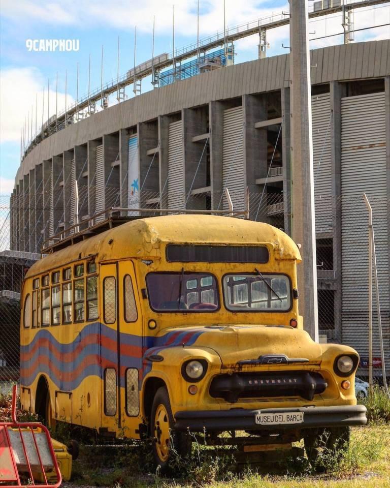 zolty autobus camp nou