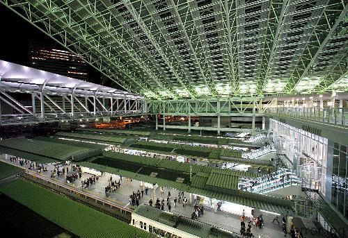 5月からJR大阪駅の発車メロディが「やっぱ好きやねん」に。