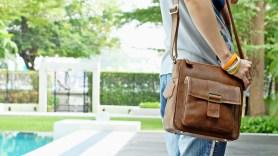 กระเป๋าสะพายข้าง idyllic Sandy Brown