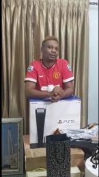 Nigerian Rapper, Reminisce Gifted A PS5 As He Clocks 40 (Video)